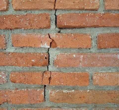 sell your house with foundation issues