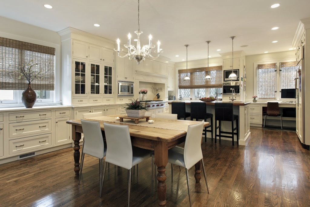 Luxury Homes For Sale in Westlake, OH