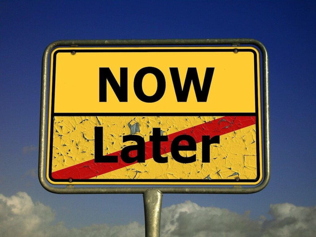 selling distressed property - avoid delaying the sale