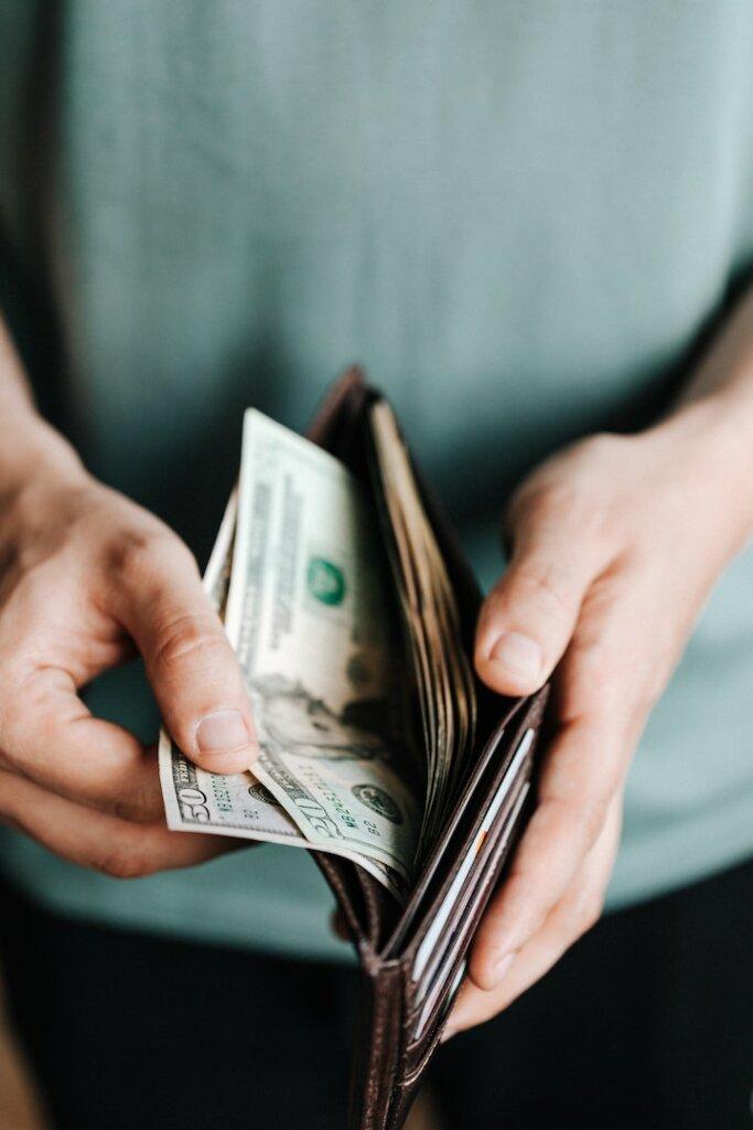 Make a cash offer to win the bidding war