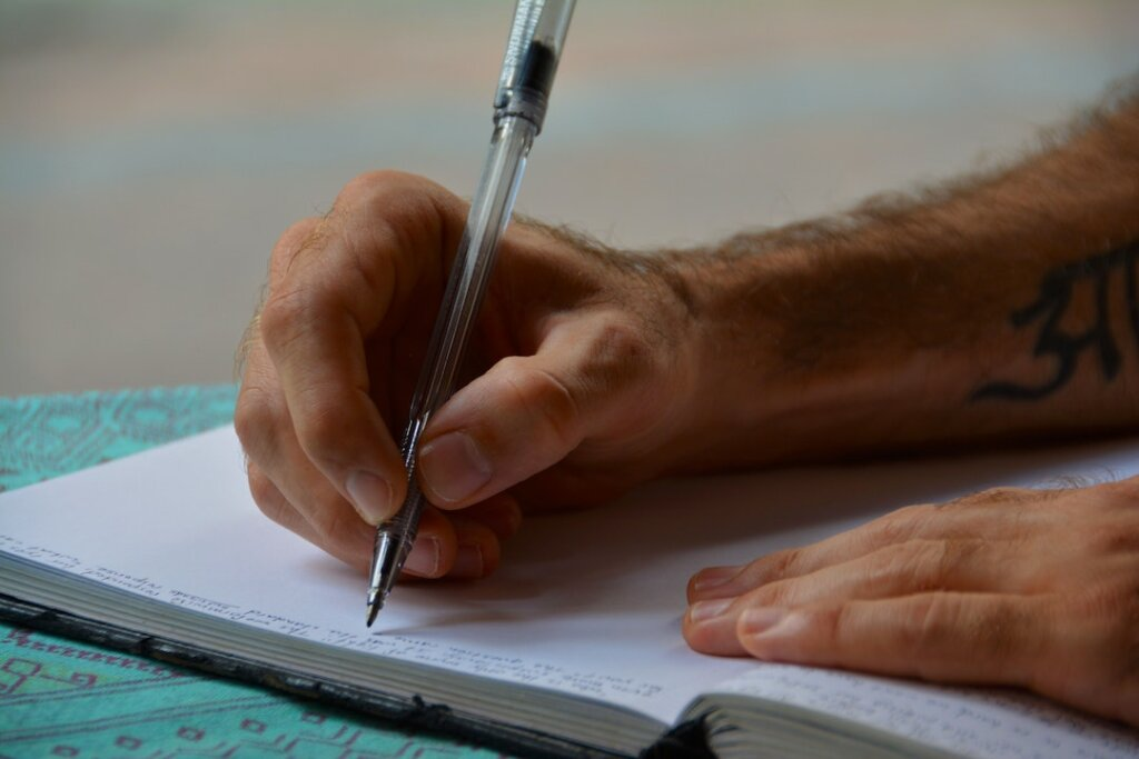 write a personal letter in a bidding war