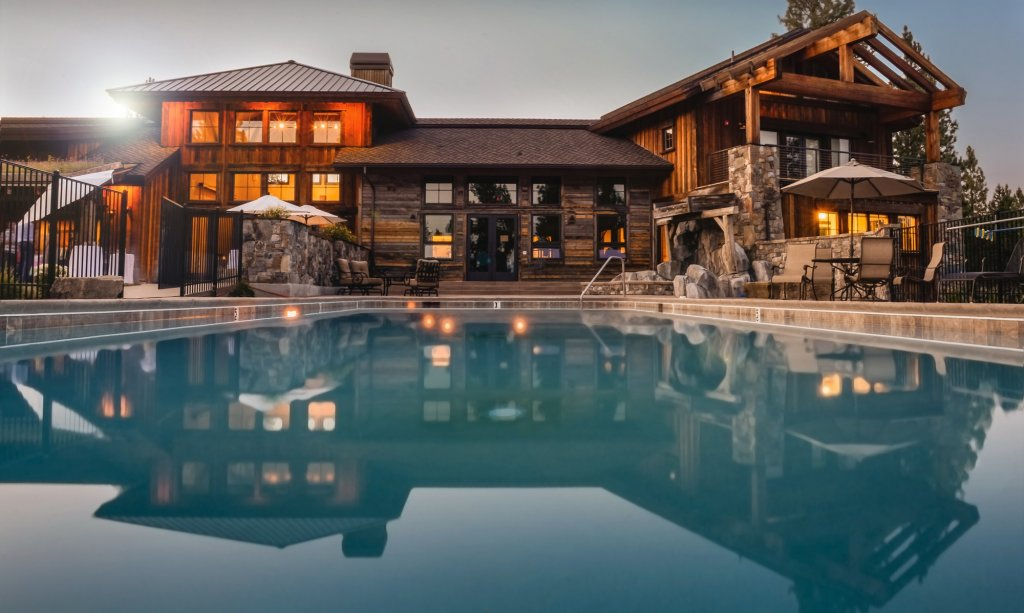 Homes with Pools In Seattle - Uncommon!