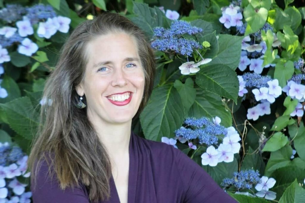 Emily Cressey, Top Real Estate Broker - HomeSmart - HomePro Associates Team Lead