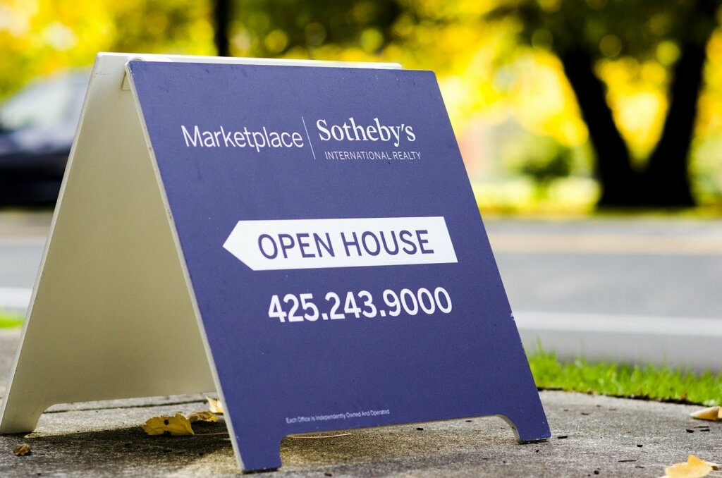 Open House Sign for Real Estate