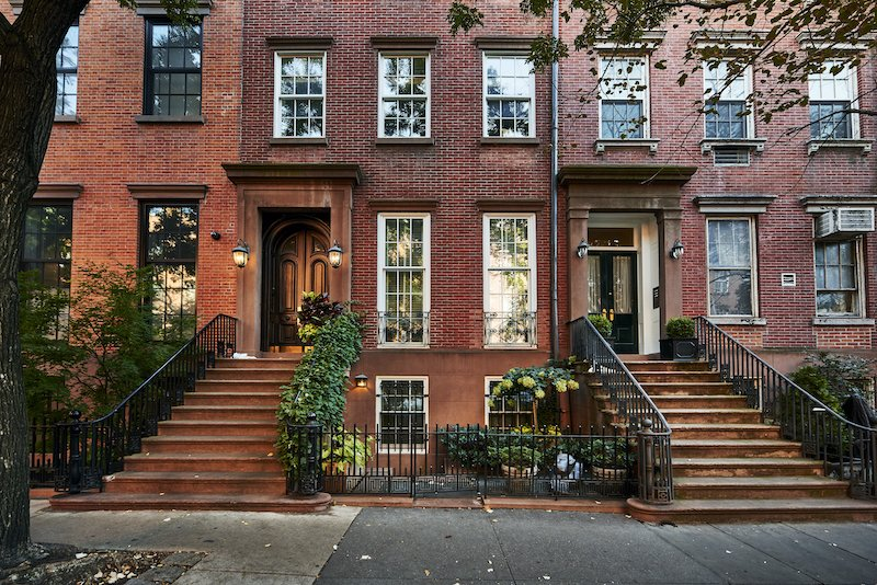 a row of houses sold without a real estate agent in New York City