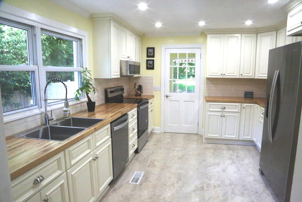 Helpful Homes Buys houses Fast for Cash in Greensboro and around the Triad. Guilford county cash buyer. Remodeled kitchen by helpful homes in lindley park.
