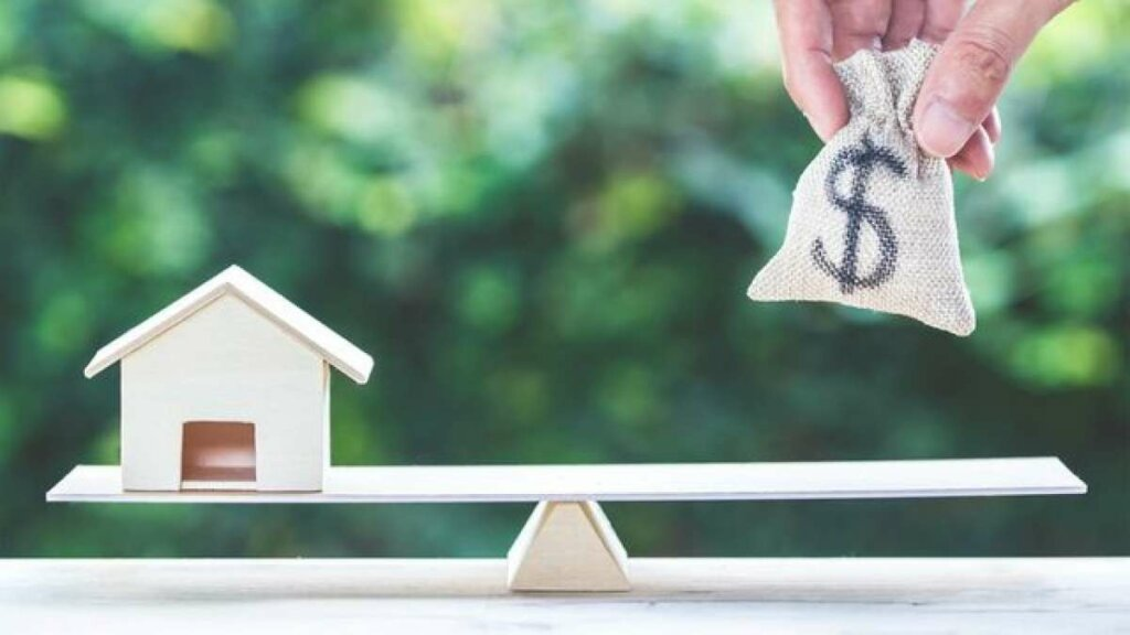 We buy houses Delray Beach  and pay cash in Florida