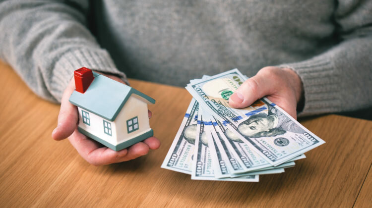list with agent or sell to cash buyer