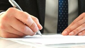Providing legal documents to prove inheritance in probate court
