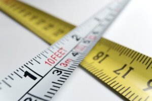 Using tape measure when downsizing house in Tucson