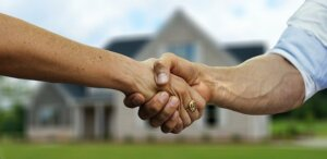 Selling your house with real estate agents