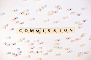 Avoid commissions by selling your house directly for cash