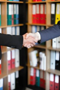 choose the best offer when selling a house in Tucson AZ