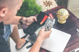 Avoiding fees and other expenses when selling house in Tucson