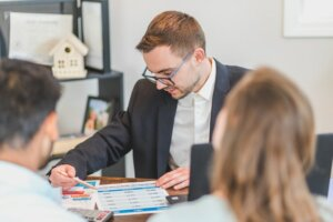 why your Real Estate Agent Should Also Be An Investor