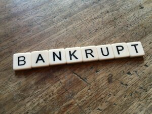 Declaring bankruptcy to avoid foreclosure in Tucson