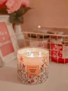 Using scented candles on open houses