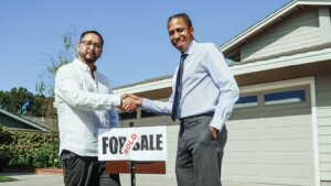Selling house through a real estate agent in Tucson