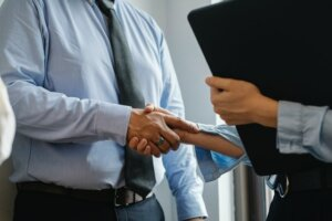 Work with a professional real estate buyer to sell your house fast in Tucson