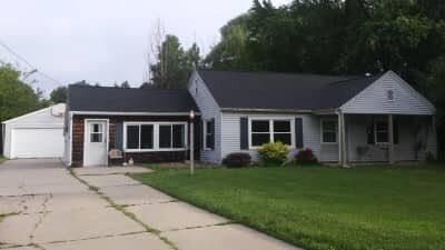 De Pere Wisconsin home we purchased on Lost Dauphin (Custom)