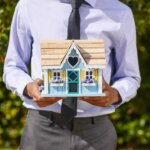 Sell your house to a real estate agent featured image