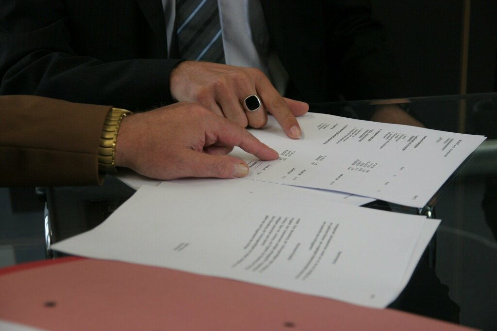 Cash Home Buyers Signing Documents Image