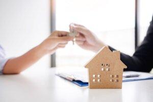 we buy properties in Milton FL