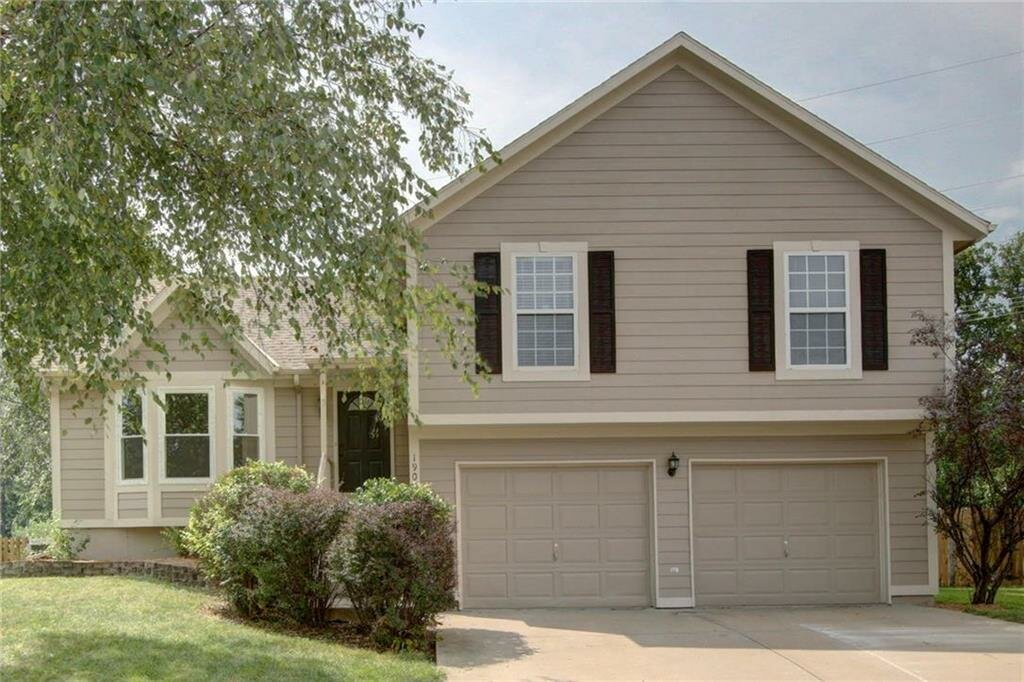 Sell your house fast in Olathe, KS for cash to us!