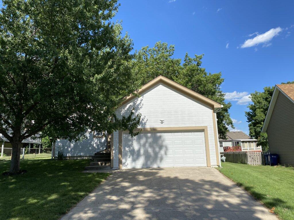 We buy houses like this in Shawnee!
