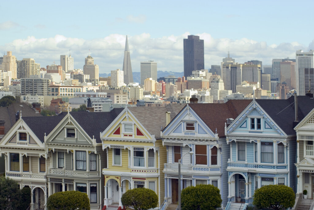 we-Buy-Houses-San-Francisco-Skyline