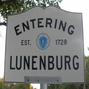 Tom Buys Houses in Lunenburg MA 978-248-9898
