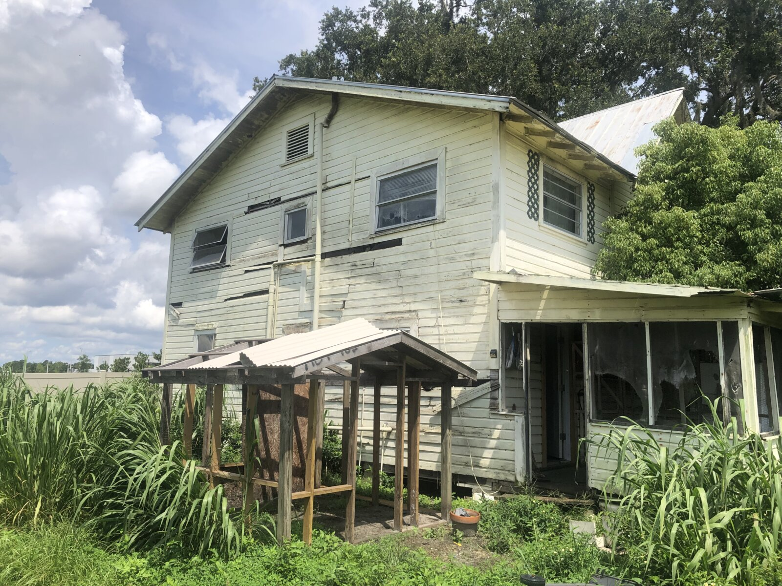 Sell a Home That Needs Repairs