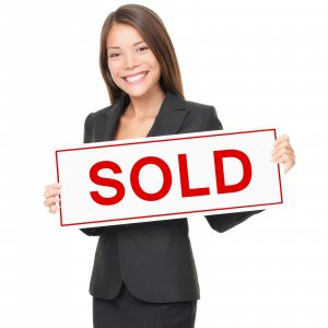 Got a house in excellent condition and want top dollar? Choose a realtor!