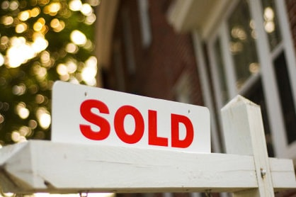 No Matter what I Do I Can not Seem To Sell My Home - sold sign