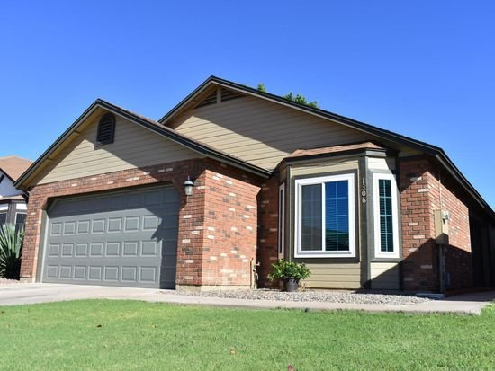 house buyers in Gilbert town