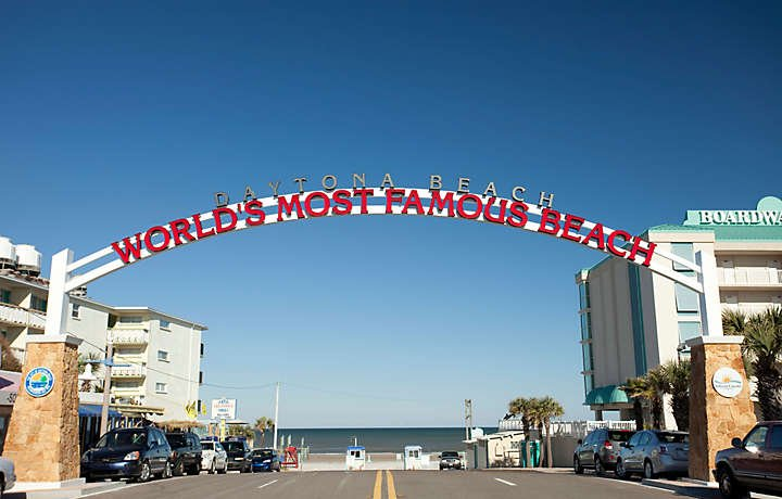 picture-of-daytona-beach-world-most-famous-beach-sign